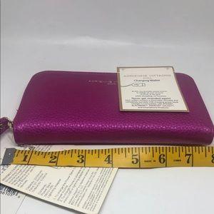 Adrienne Vittadini Bags - NWT Adrienne Vittadini  Charging Wallet